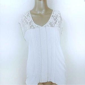 Anthro | TINY Cream knit & Lace detail blouse